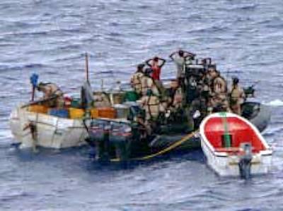 Marineforum - TONNERRE bringt mutmaßliche Piraten auf