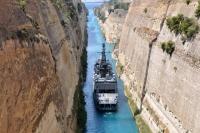 Fregatte Niedersachsen durchquert den Kanal von Korinth