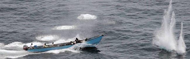 Marineforum - Piraten durch Warnschüsse unbeeindruckt (Foto: NATO)
