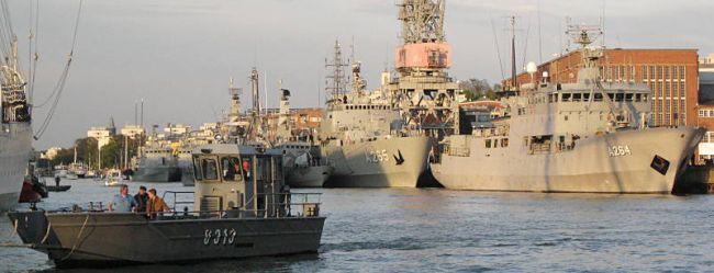 Marineforum - NOCO-10 Teilnehmer im Hafen von Turku (Foto: finn. Marine)
