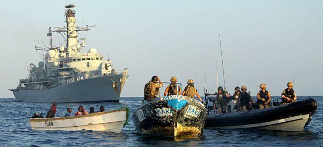 Marineforum - MONTROSE stoppt Piraten (Foto: Royal Navy)
