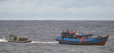 Marineforum - australische Marine und Migrantenboot (Foto: austr. Marine)