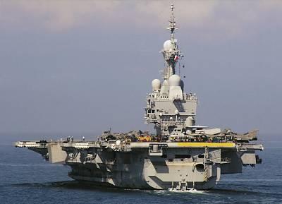 Marineforum - CHARLES DE GAULLE (Foto: Bernard Prezelin / Flottes de Combat)