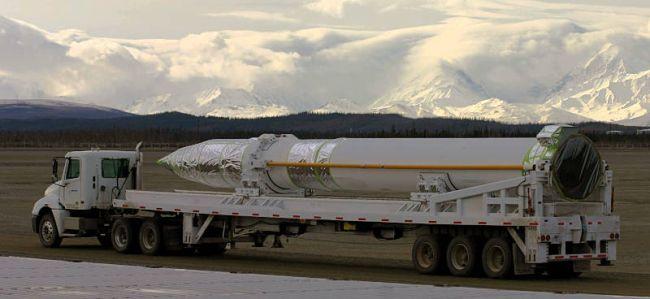 Ground-based Interceptor wird zum Abschusssilo gefahren (Foto: US Army)Abschusssilo