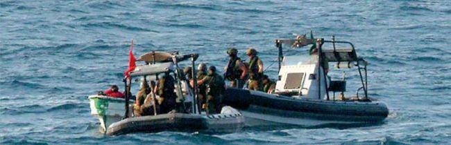 Marineforum - Boardingteams der LOUISE MARIE stoppen Skiff (Foto: belg. Marine)