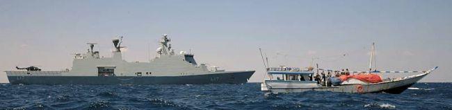 Marineforum - ESBERN SNARE mit gestellter Dhau (Foto: NATO)