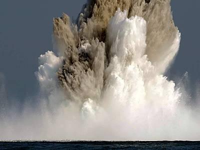 Marineforum - Minensprengung (Foto: niederl. Marine)