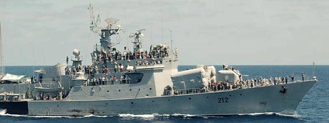 Marineforum - LA HANI auf dem Weg  nach Tripolis (Foto: Royal Navy)