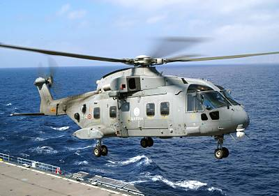 Marineforum -EH-101 auf ANDREA DORIA (Foto: ital. Marine)