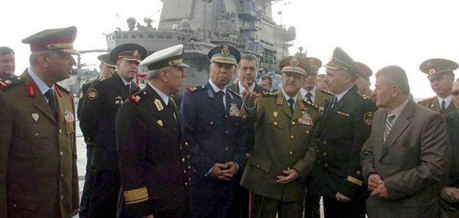 Marineforum - Syrische Delegation auf der KUZNETSOV (Foto:  newsru.com)
